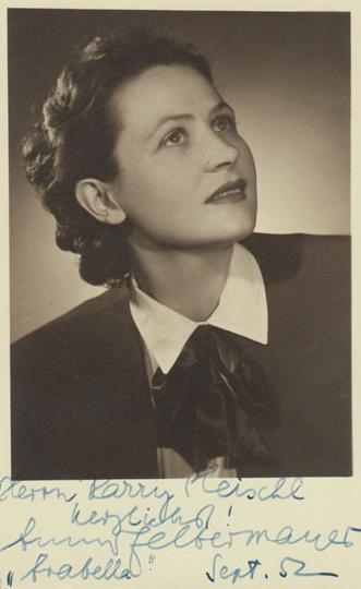 Resulta ng larawan para sa Anny Felbermayer (Soprano) http://www.bach-cantatas.com/Bio/Felbermayer-Anny.htm